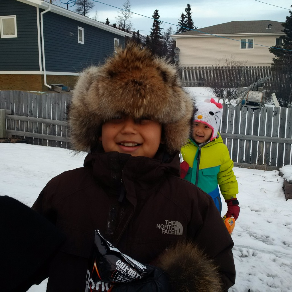 Evan, Bella et le chapeau